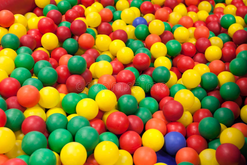 Kleurrijke plastic ballen royalty-vrije stock afbeeldingen
