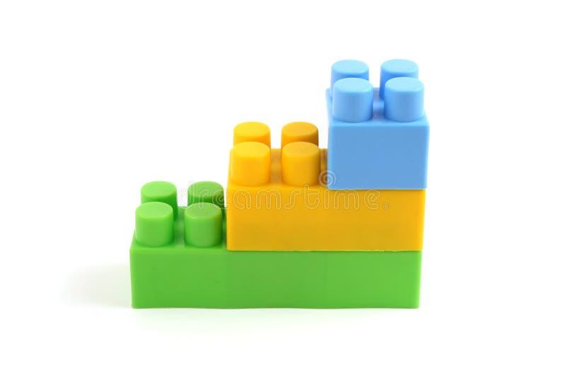 Kleurrijke plastic stuk speelgoed baksteenconstructie royalty-vrije stock fotografie