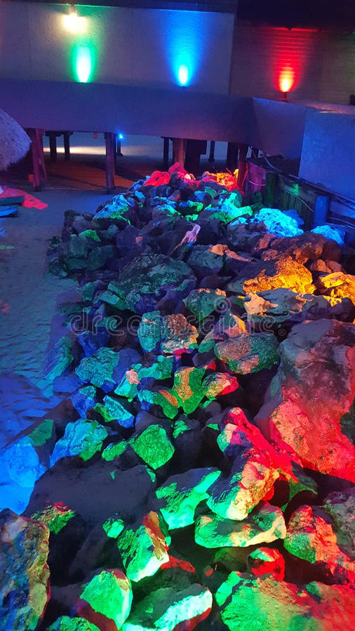 Kleurrijke rotsen stock foto's