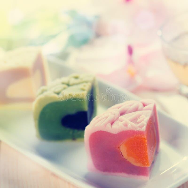 Kleurrijke sneeuwhuid mooncakes stock afbeelding