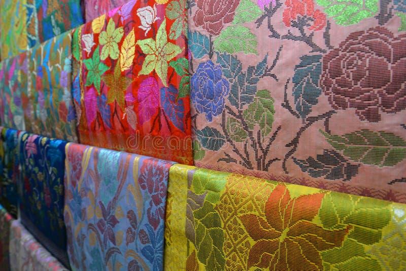 Kleurrijke Songket-stof royalty-vrije stock afbeelding