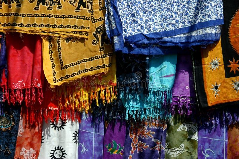 Kleurrijke stoffen in India royalty-vrije stock afbeelding