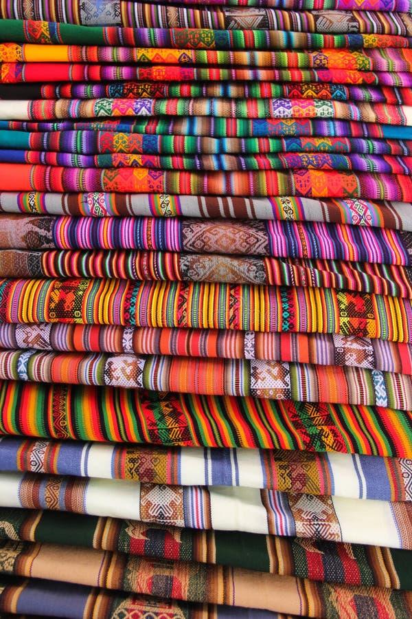 Kleurrijke stoffen in Isla del Sol royalty-vrije stock afbeelding