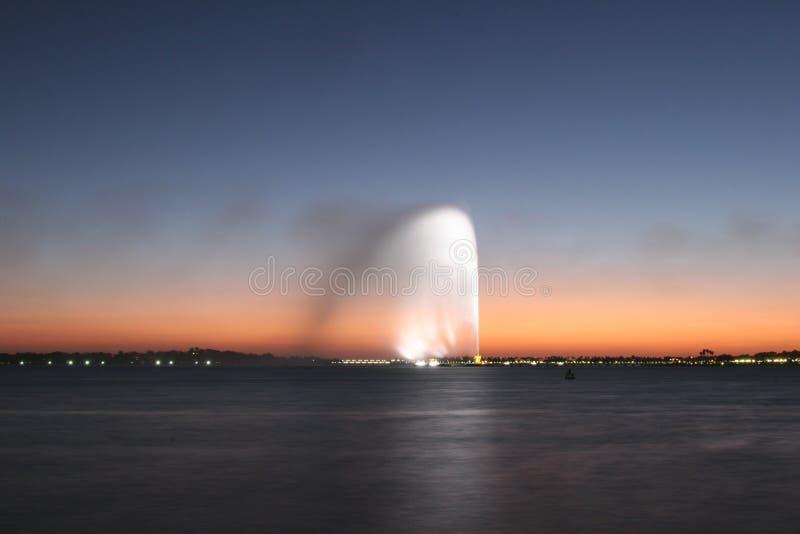 Kleurrijke straal van water royalty-vrije stock fotografie