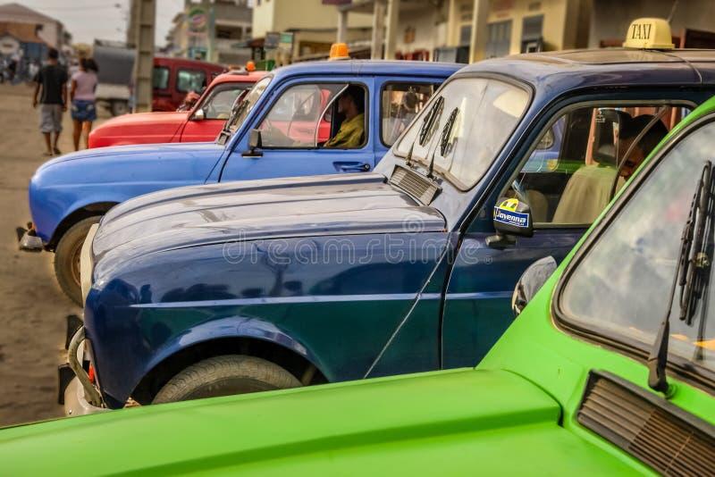 Kleurrijke taxis stock foto's