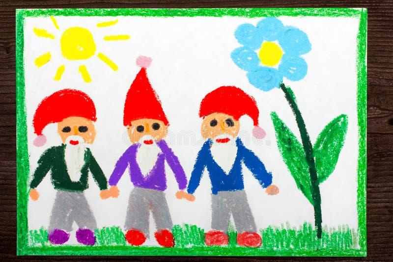 Kleurrijke tekening: drie glimlachende dwergen in rode hoeden stock fotografie