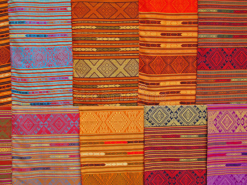 Kleurrijke textiel in Laos royalty-vrije stock fotografie
