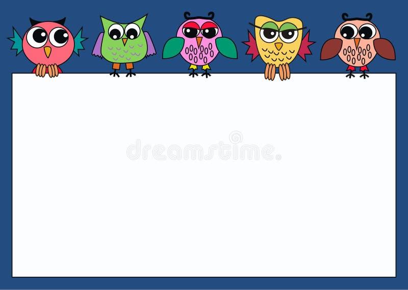 Kleurrijke uilen die een teken houden stock illustratie