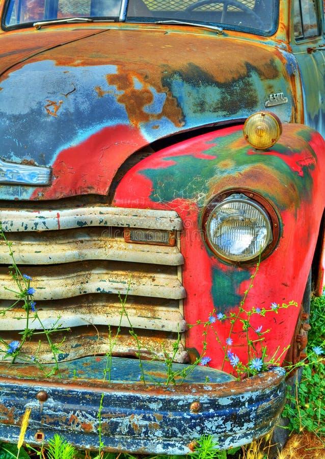 Kleurrijke Uitstekende Vrachtwagen stock afbeelding