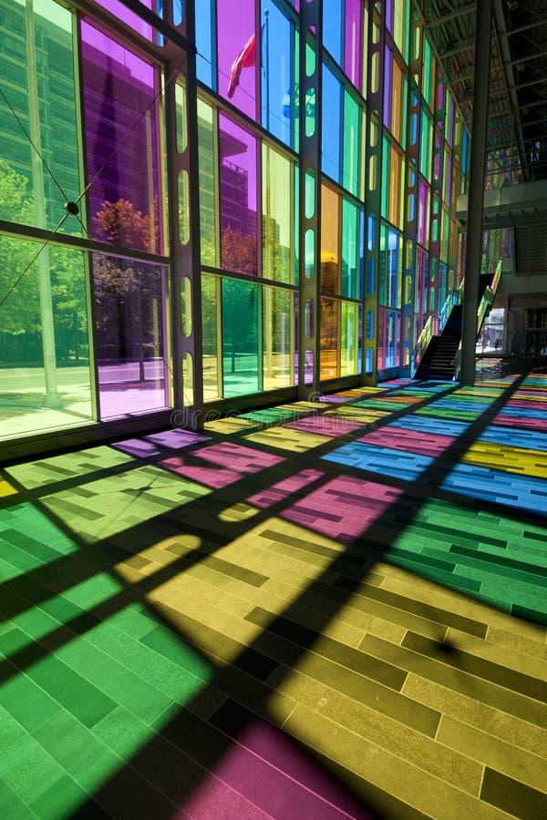 Kleurrijke vensters stock fotografie