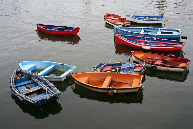 Kleurrijke vissersboten stock foto