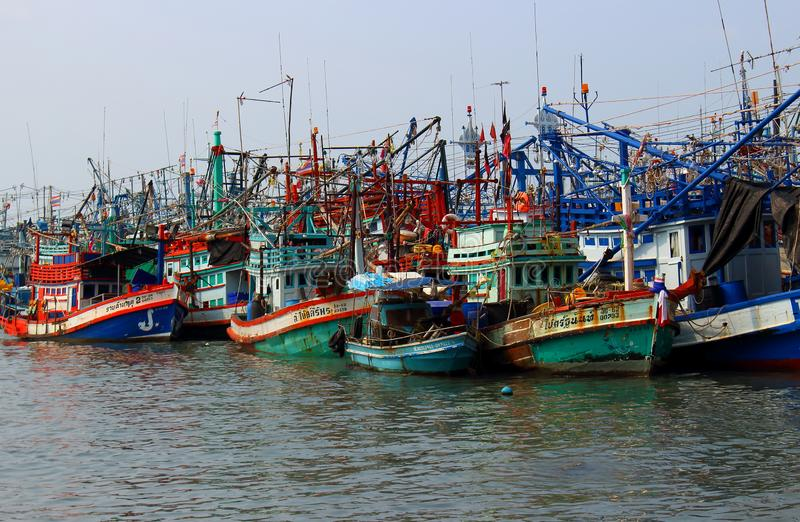 Kleurrijke Vissersboten in Thailand royalty-vrije stock foto