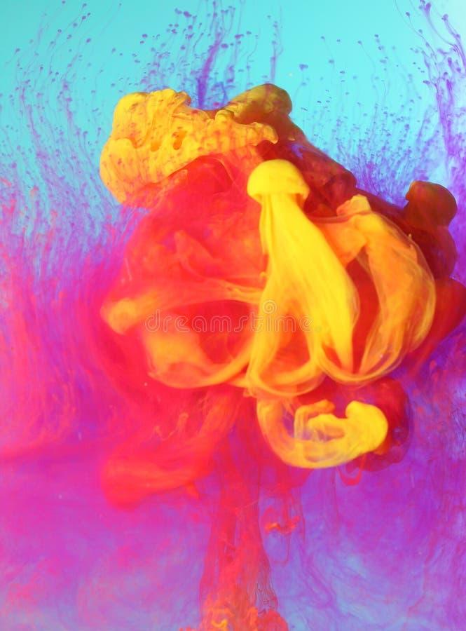 Kleurrijke vloeibare verven stock fotografie