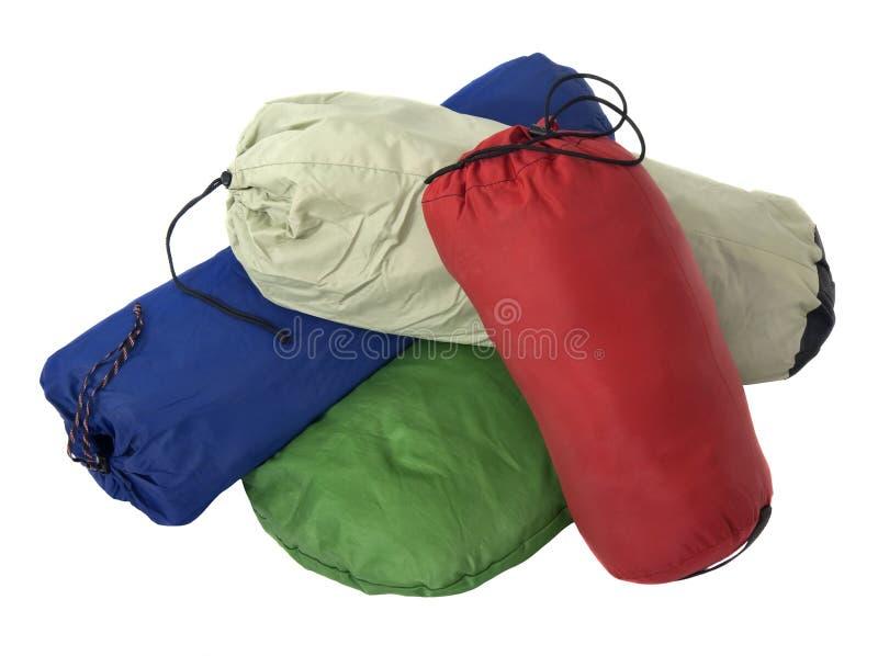 Kleurrijke zakken met het kamperen apparatuur royalty-vrije stock afbeelding