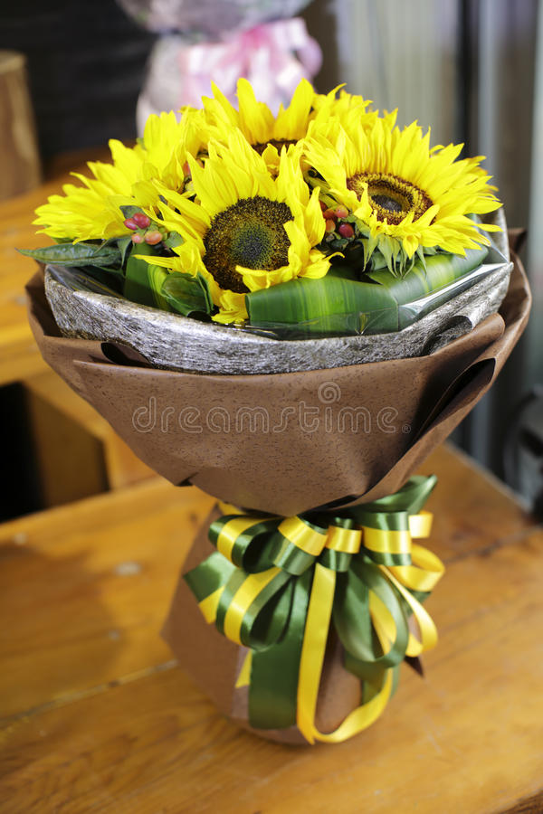 Kleurrijke zonnebloemen stock fotografie