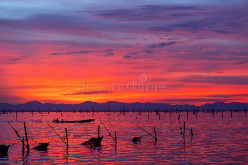Kleurrijke zonsondergang royalty-vrije stock foto