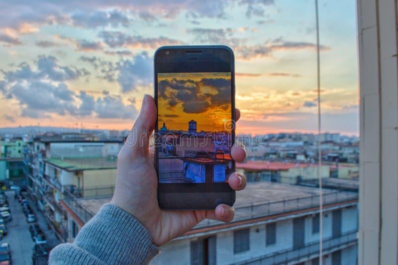 Kleurrijke zonsondergang door om het even welke lens stock afbeeldingen