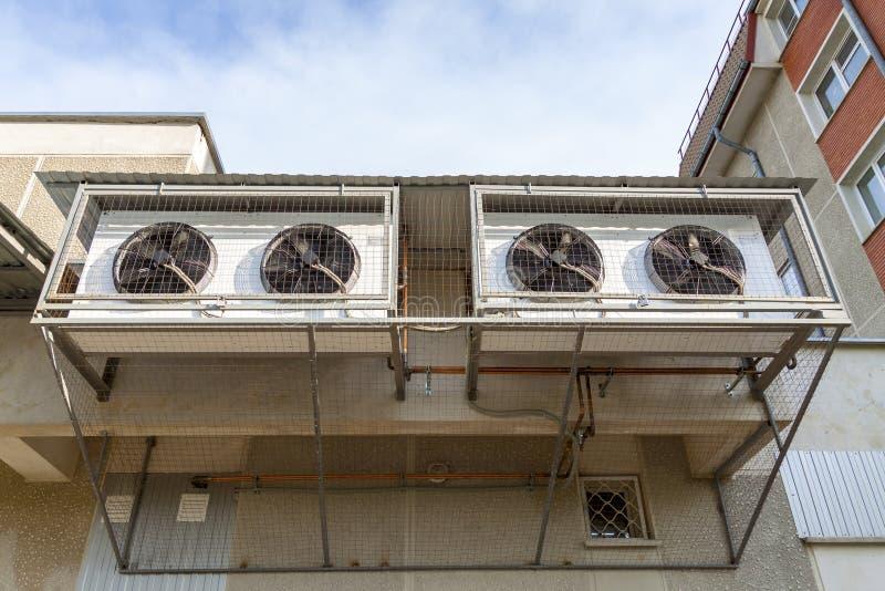 Klimaanlagen auf der Wand stockfoto