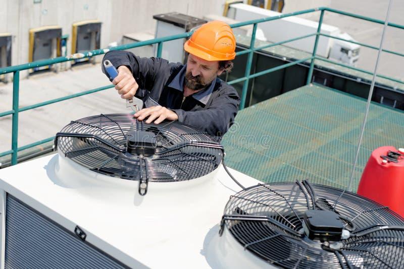 Klimaanlagen-Reparatur, stockfotografie