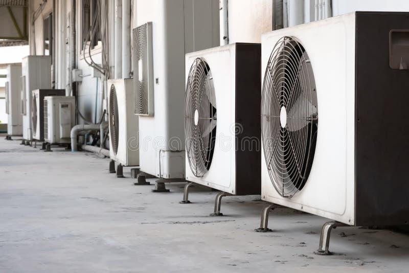 Klimaanlagenkompressor lizenzfreies stockfoto
