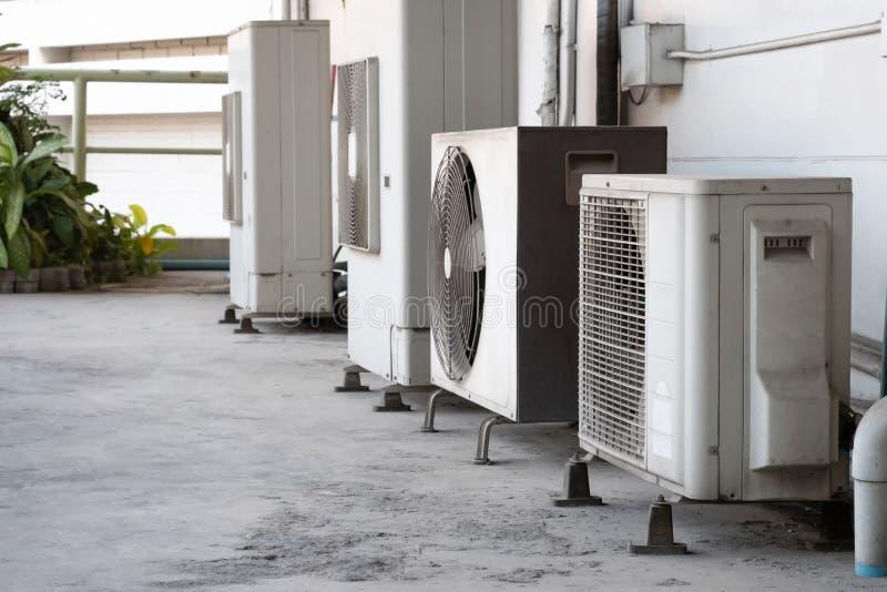 Klimaanlagenkompressor lizenzfreie stockfotos