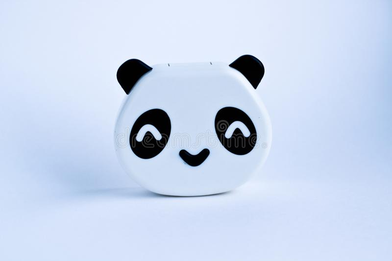 Klingeryt pandy zabawkarski niedźwiedź na białym tle zdjęcie royalty free