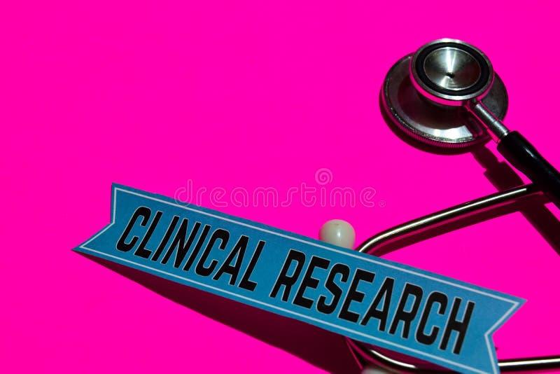 Kliniczny badanie na druku papierze z Medicare pojęciem zdjęcia royalty free