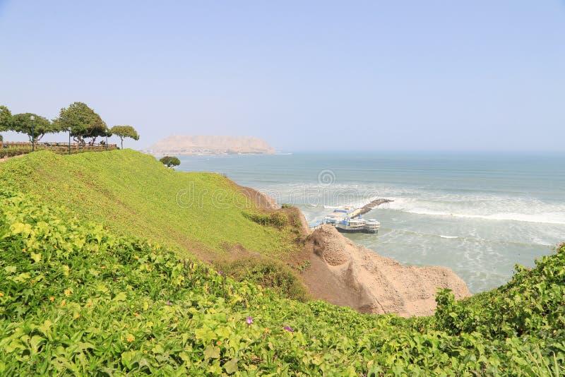 Klip bij Miraflores-District in Lima Peru dichtbij Vreedzame oceaan royalty-vrije stock afbeelding