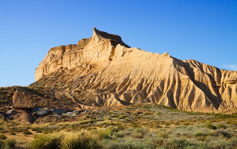 Klip bij semi-desert landschap royalty-vrije stock foto