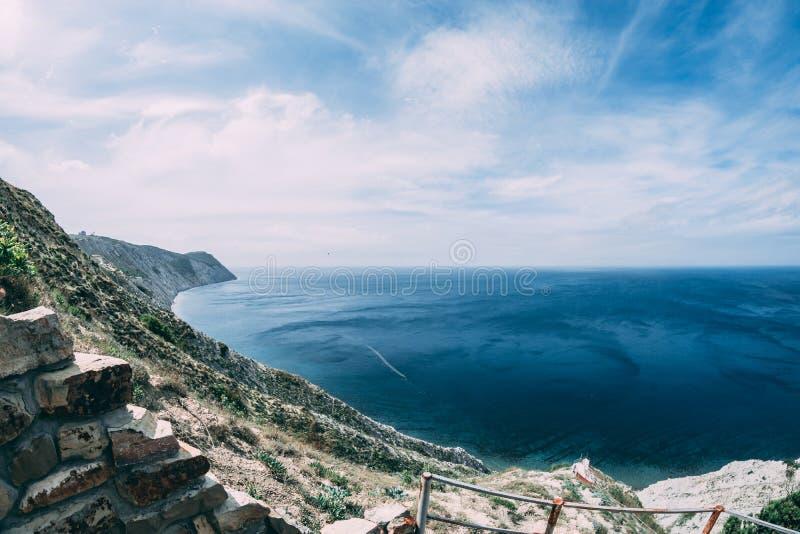 Klip in de Zwarte Zee stock fotografie
