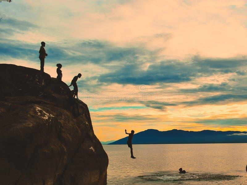 Klip die bij Kande-Strand, Nkhata-Baai, Meer Malawi, Malawi duiken stock afbeeldingen