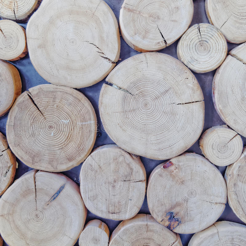 Klipp journaler, wood bakgrund arkivfoton