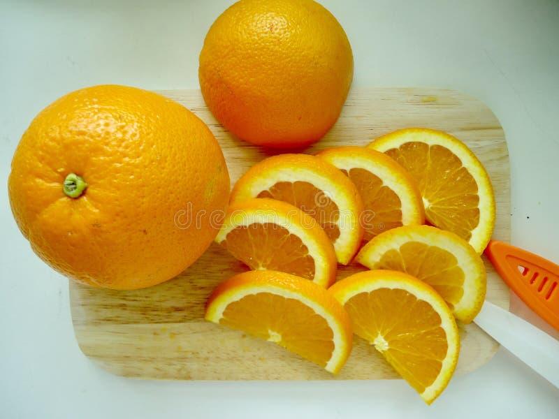 klipp orangen fotografering för bildbyråer