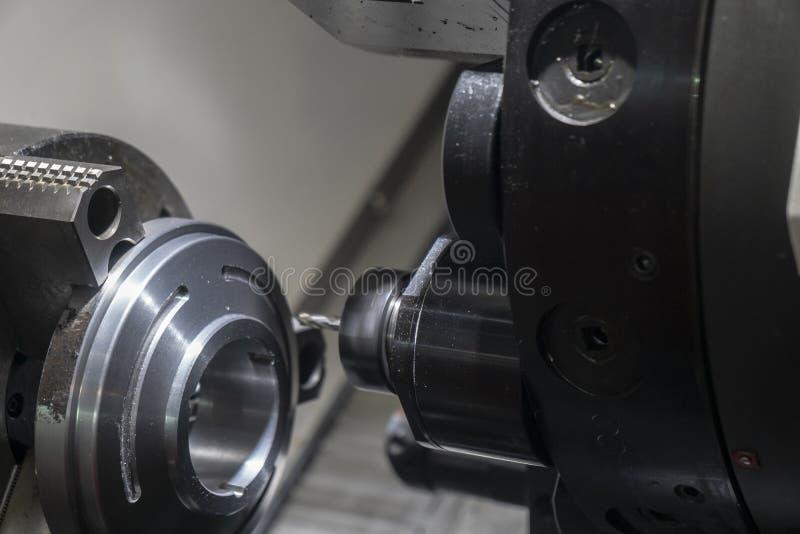 Klippa för CNC-drejbänkmaskin spårspringan maler förbi spindeln arkivbilder