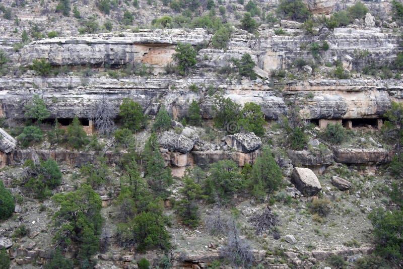 klippaboningar arkivbild