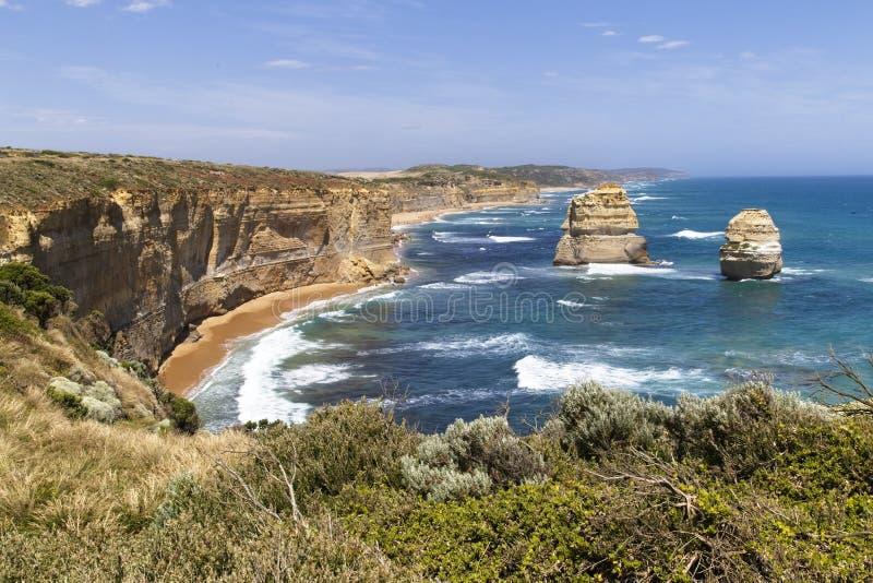 Klippen, oceaan en rotsvormingen royalty-vrije stock foto's