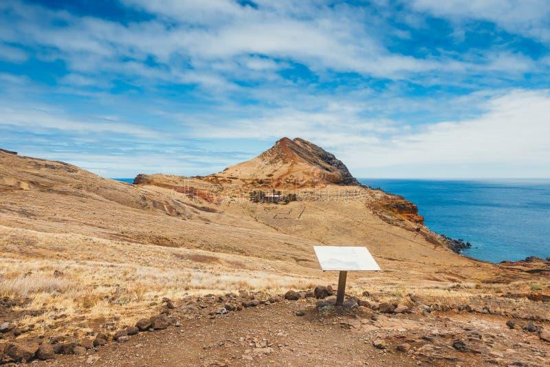 Download Klippen In Ponta DE Sao Lourenco, Madera Stock Foto - Afbeelding bestaande uit atlantisch, wandeling: 107701940