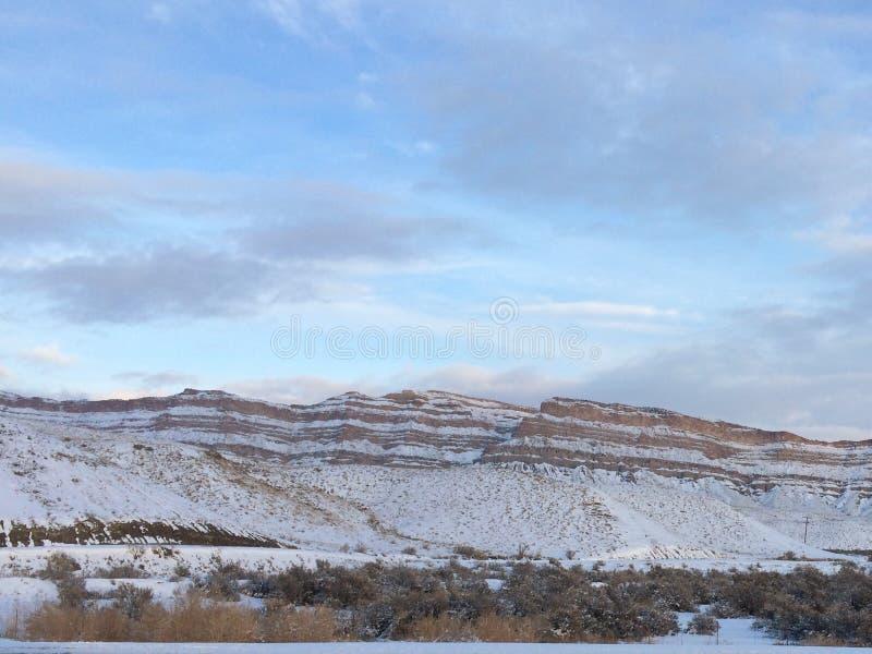 Klippen von US 6 in Utah lizenzfreie stockbilder