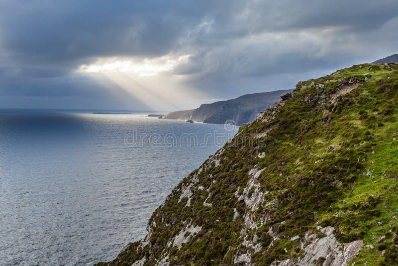 Klippor av Slieve Liag, Irland arkivfoton