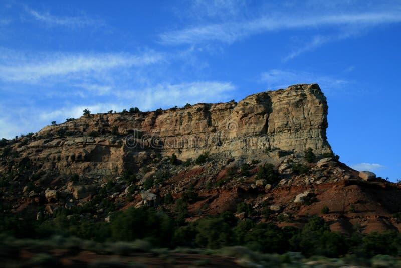 klippor Klart soligt v?der, h?rligt landskap Eroderat landskap arkivfoto