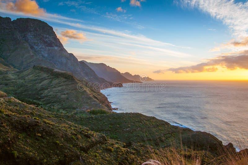 Klippor på västkusten av Gran Canaria royaltyfri fotografi