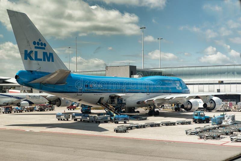 KLM在斯希普霍尔机场阿姆斯特丹 库存图片