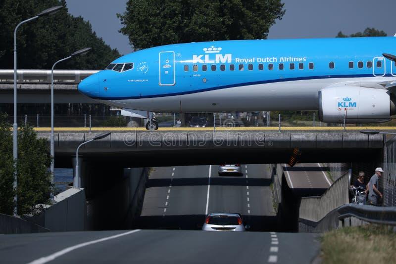 KLM平面乘出租车在史基普机场,AMS阿姆斯特丹,特写镜头视图 免版税图库摄影
