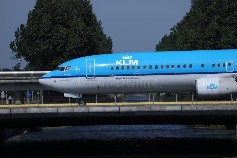 KLM平面乘出租车在史基普机场,AMS阿姆斯特丹,特写镜头视图 免版税库存照片