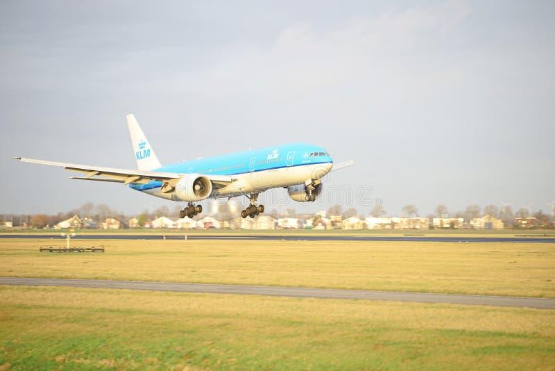 KLM登陆PH-BQC的波音777 库存图片