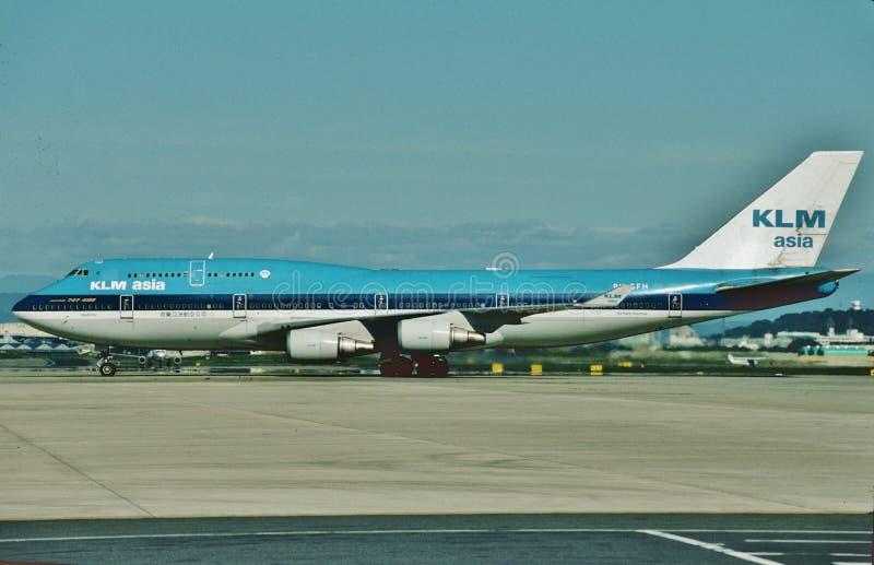 KLM Asie B-747 prête à rouler au sol pour un autre vol images stock