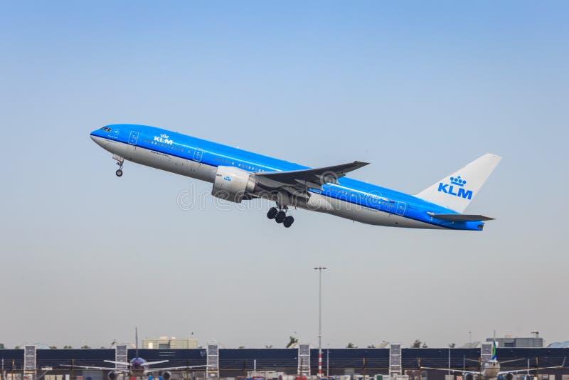 KLM Boeing 777 fotografering för bildbyråer
