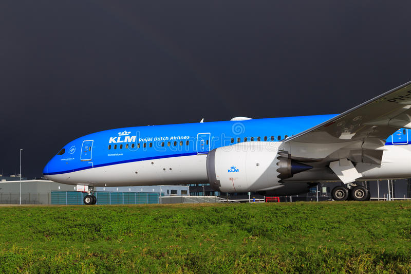 KLM Boeing 787 Dreamliner royaltyfria bilder