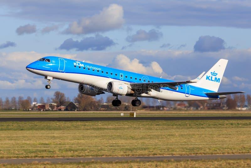 KLM Embraer 190 ny livré royaltyfria foton