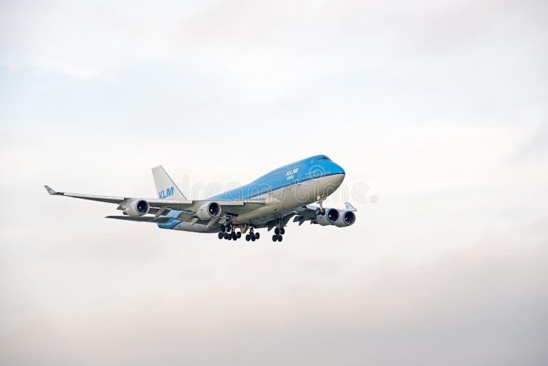KLM PH-BFY Боинга 747 до 406 приземляясь стоковые фотографии rf